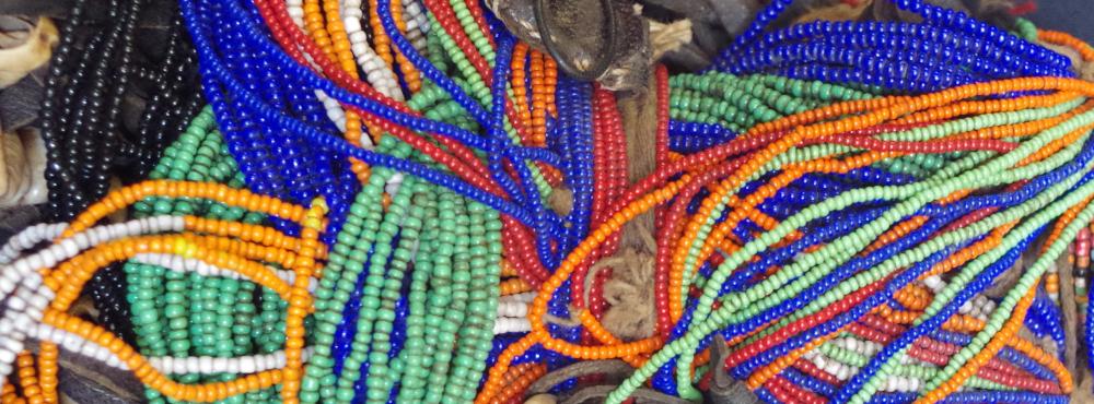 Perles de verre du Kenya